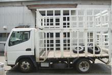 2トントラック(約200本)